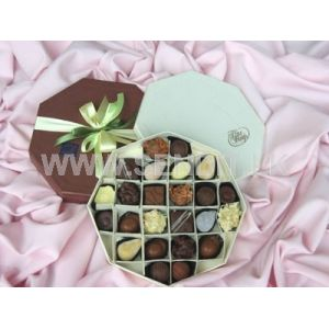 Papyrus Chocolate box Octagon shaped: 24 Pieces