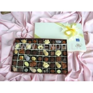 Papyrus Chocolate Large box: 54 pieces
