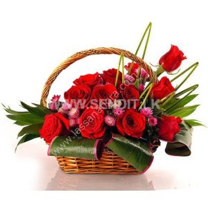 Luxury Sweet Rose Basket